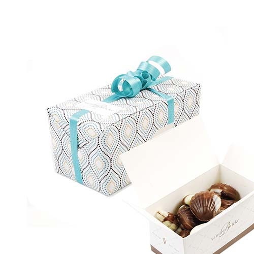 Ballotins wrapped in gift paper - sea shells